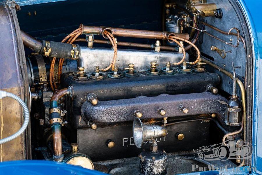 """Motorraum Peugeot Typ 153 """"Sporttourer"""" vom 1914"""