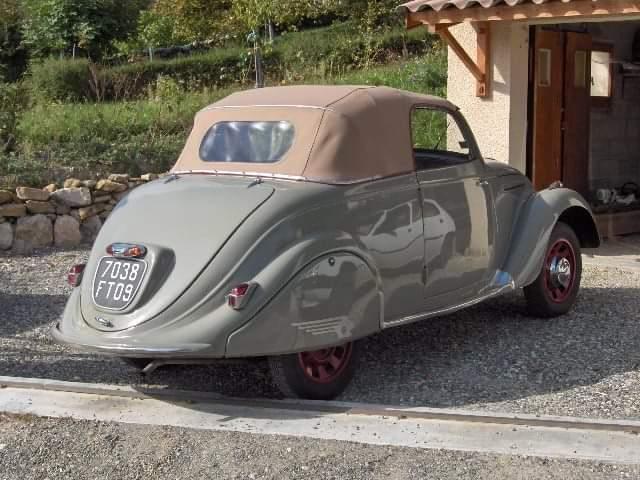 Peugeot 202 Cabrio (D2) - Heckansicht