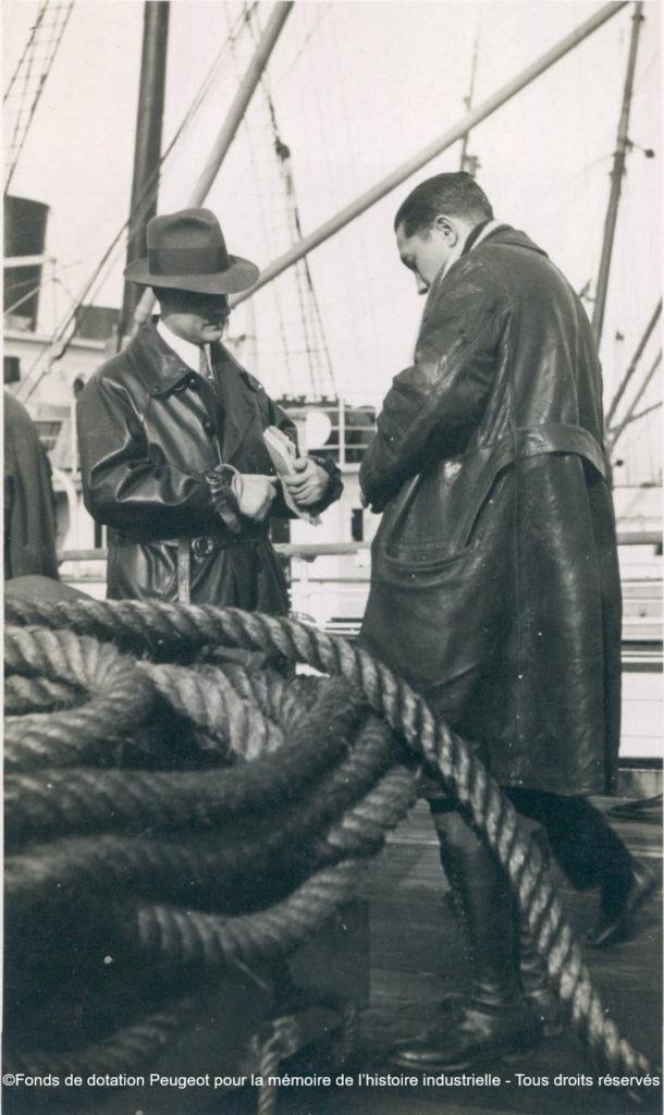 Louis Proust und Herr Campagna auf dem Deck des Linienschiffes