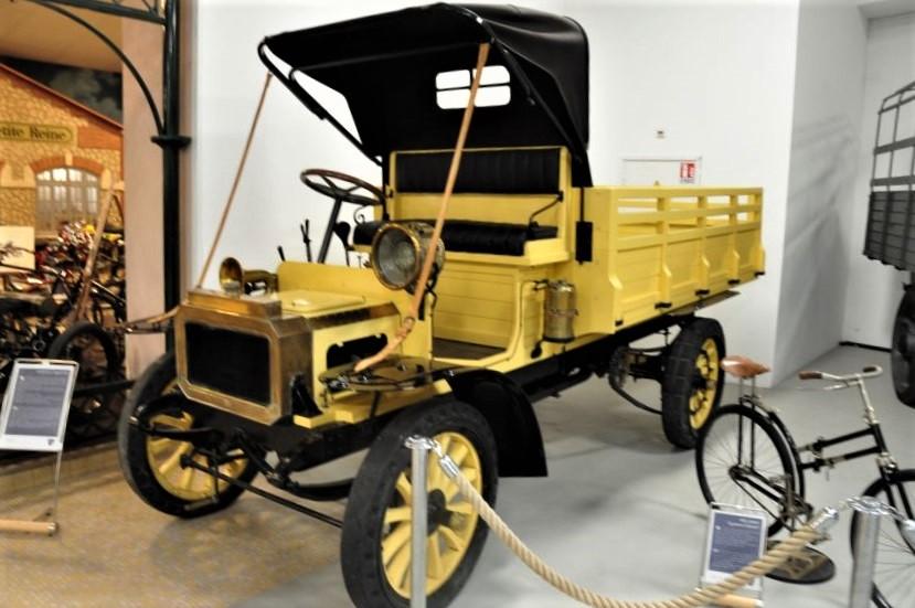 Der LKW Typ 64 im Musee Peugeot