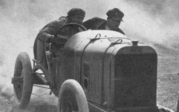 Peugeot L76 mit Fahrer Boillot