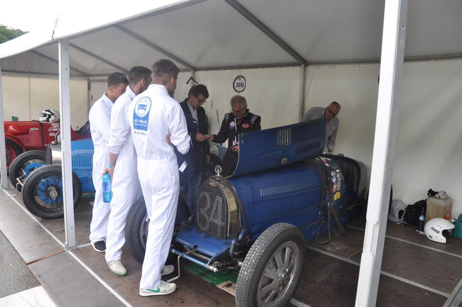 Infos aus erster Hand vom Besitzer des Bugattis
