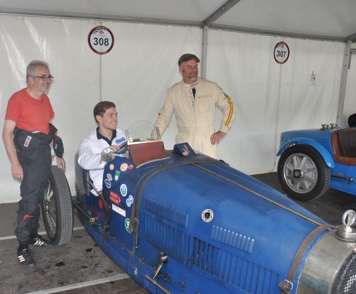 Probesitzen im Bugatti