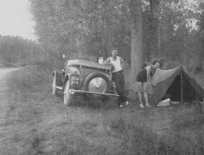 In den 1920ern wird das Zeit einfach an Wegesrand aufgestellt,