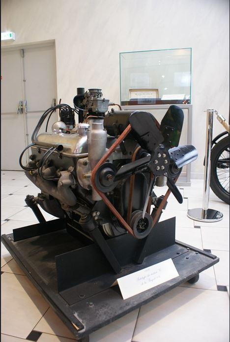 für den 802 vorgesehener V8-Motor