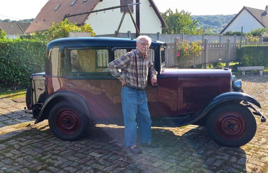 Peugeot 201 mit Besitzer