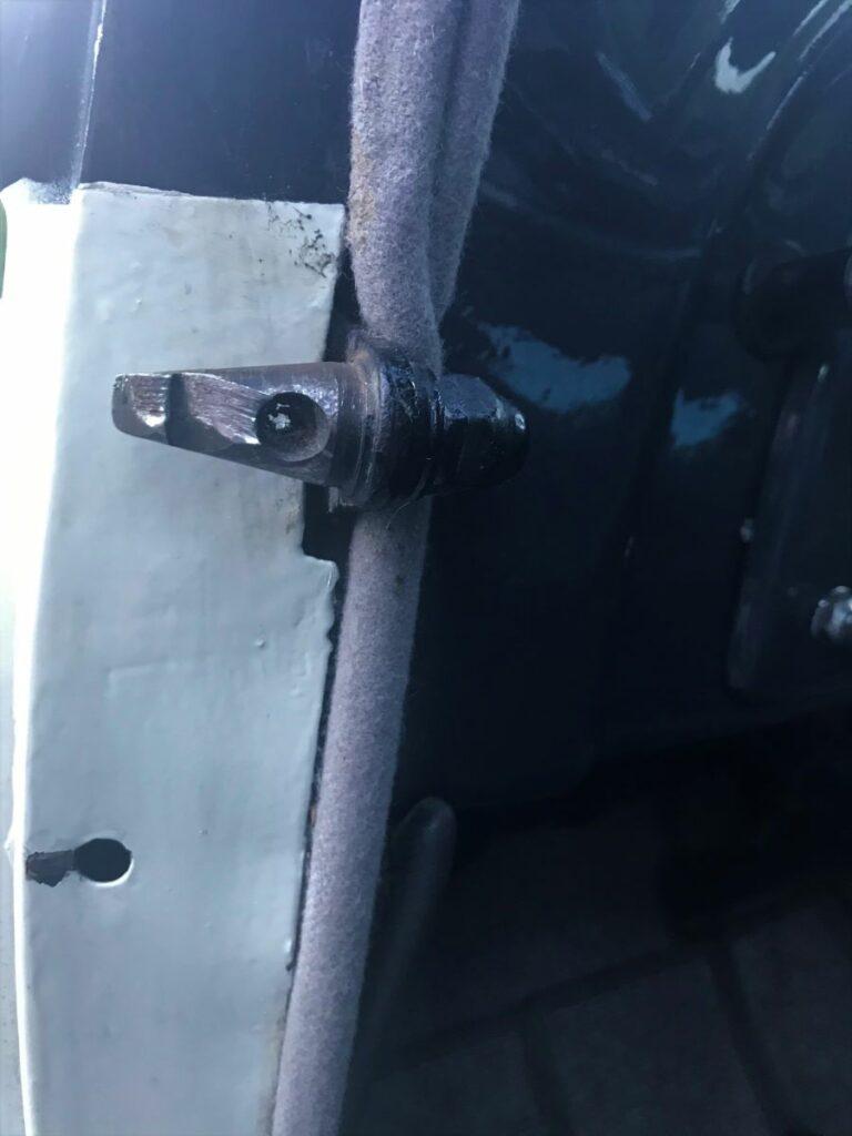 Schon seit Ende der 1920er Jahre - beginnend mit dem Einbau im Typ 201 – wurden Schlösser benutzt, die mit sogenannten Sicherheitszapfen versehen waren.