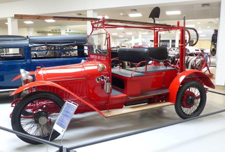 """Feuerwehr """"Echelle"""" aus dem Jahr 1915, die in Lille eingesetzt wurde"""