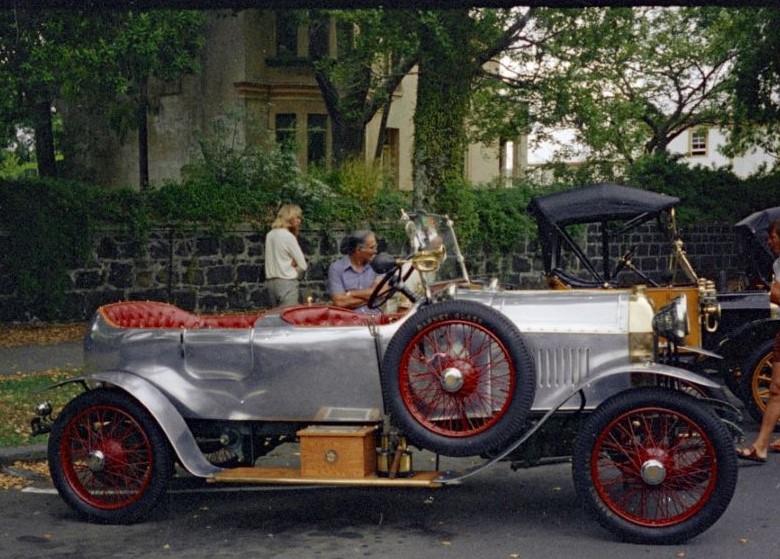 Peugeot Typ 153 mit einer Sonderkarosserie