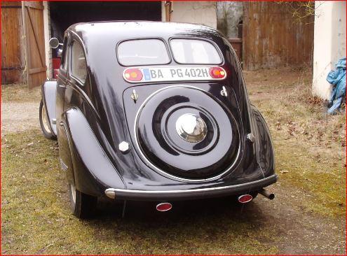 Peugeot 402 Heck der ersten Serie