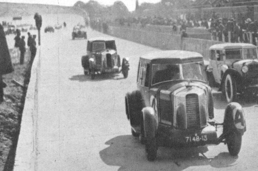 Die beiden Peugeot 174 S auf der Strecke in LeMans 1926
