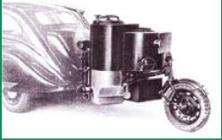 Anhänger mit Holzvergaseranlage - ca. 1940, Zugfahrzeug Peugeot 402 B