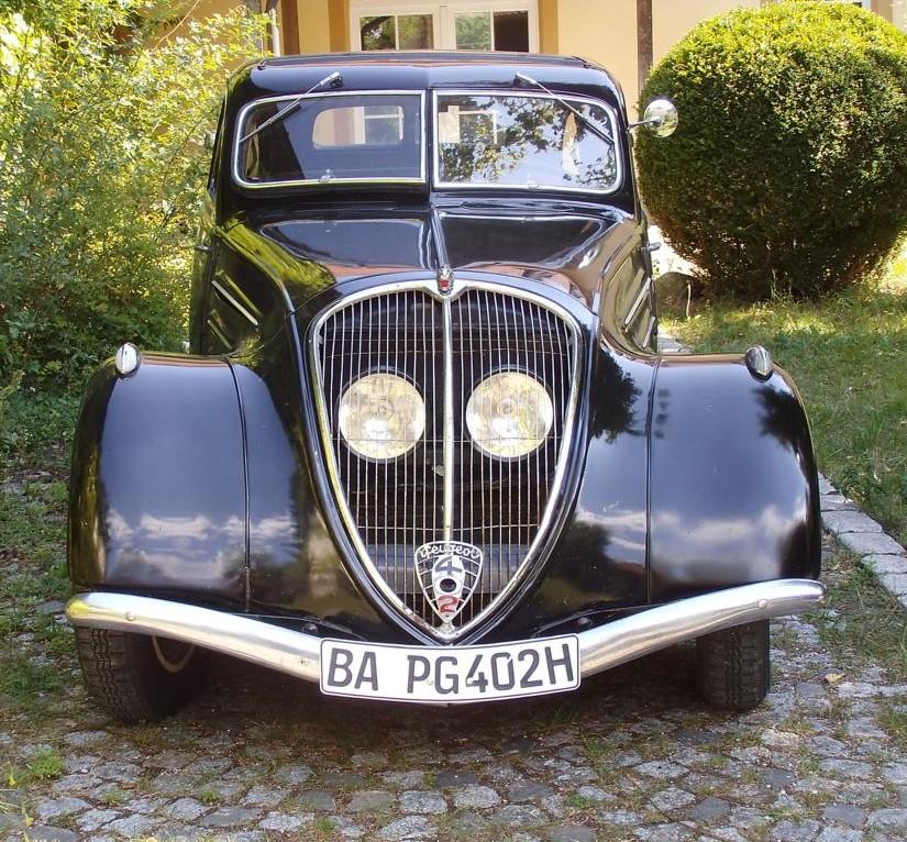 "Peugeot 402 ""Madame"""