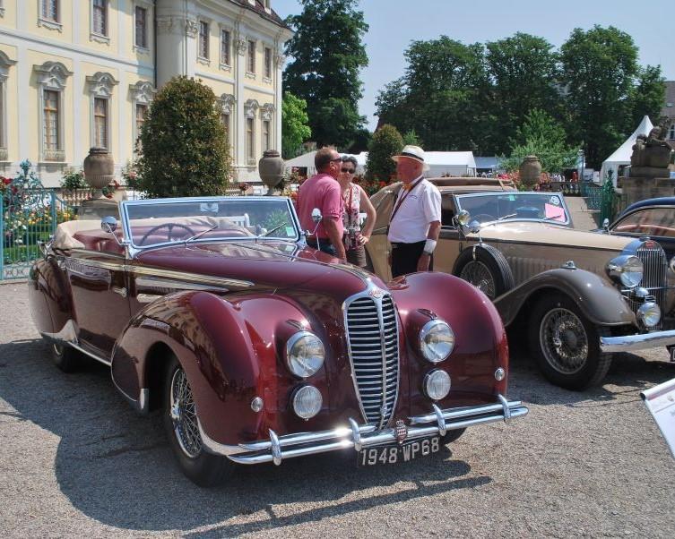 Impressionen Retro Classics meets Barock in Ludwigsburg 2015 - Bernard Jaeggy (rechts) im Gespräch